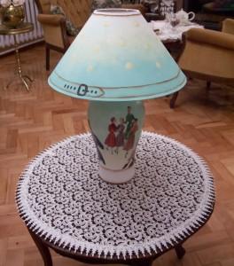 Lampa z ceramiki Bizkwitowej